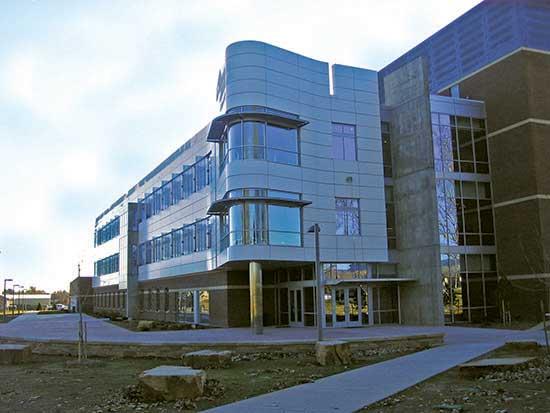 higher-education - csu-vth-diagnostic-medicine-center-3